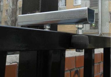 Удобство регулировки верхних роликов откатных ворот 1